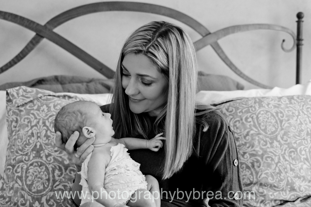 mom-and-baby-cleveland-photographer