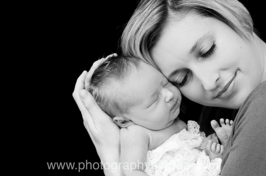 baby-and-mom-photographer