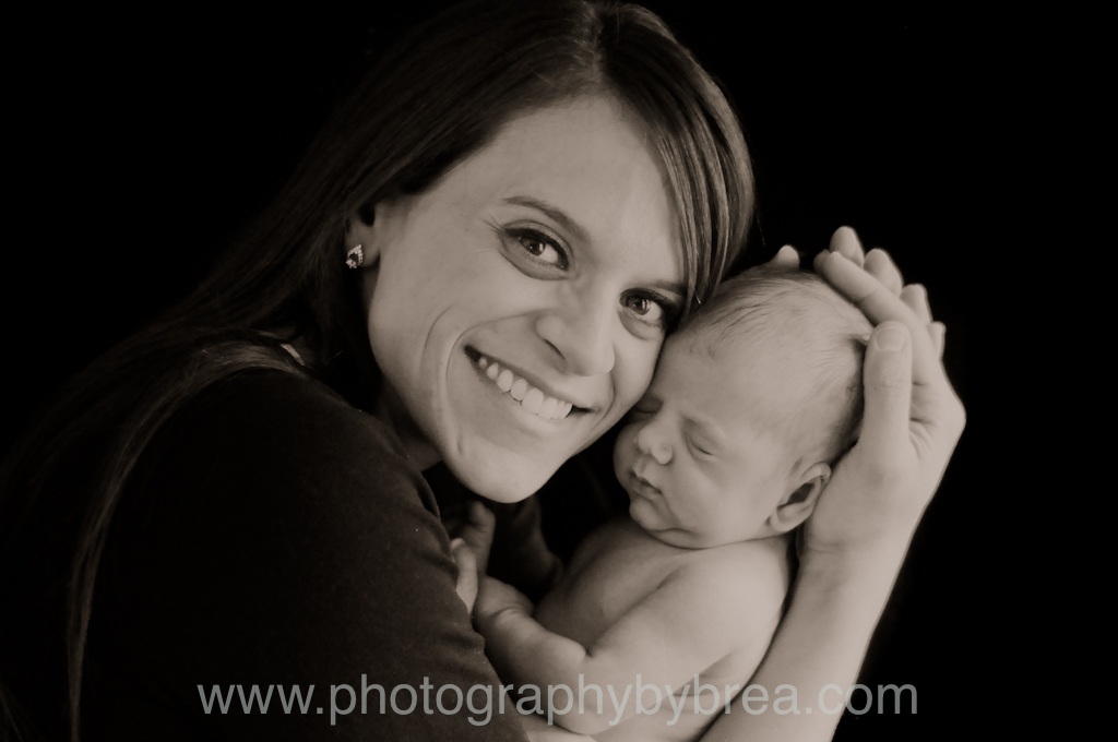 mom-and-baby-photographer