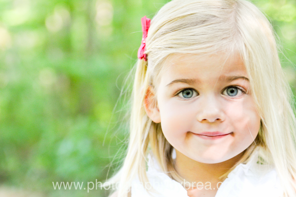 Cute Little Girl Blonde Hair Blue Eye - Hot Girls Wallpaper
